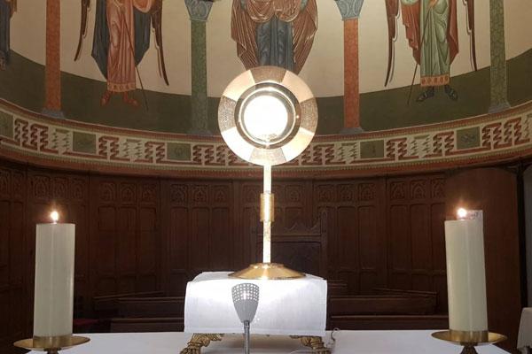 Adoration à 7h45 à l'église Saint-Nazaire